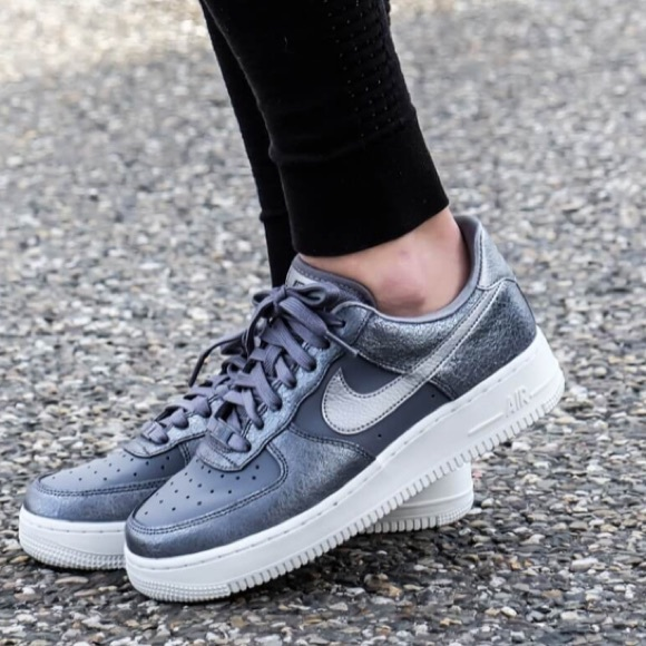 the latest 0389c 62dbf Nike Air Force 1 07 PRM Light Carbon W AUTHENTIC